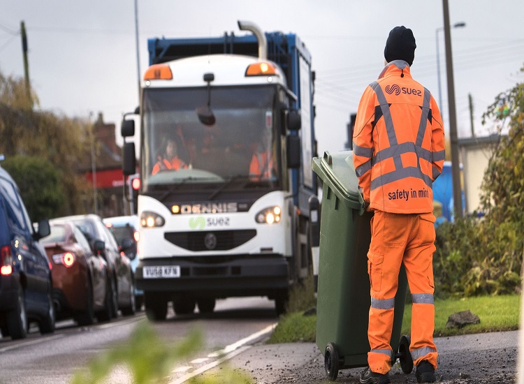 How Skip Hire Service Providers Help the Society